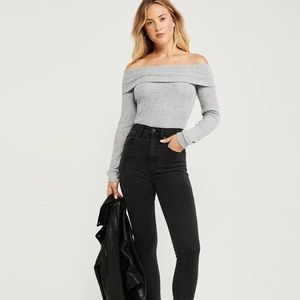 ✨ Ribbed Off-The-Shoulder Top✨